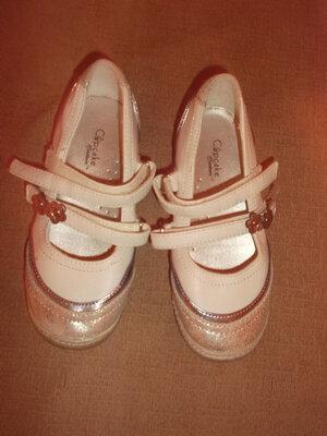 Продано: Туфли белые с серебром кожа р. 28 - гермаия по стельке 18, 5 см.