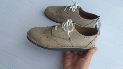 Нові туфлі броги H&M розм. 31, 32, 33 і 34 в наявності