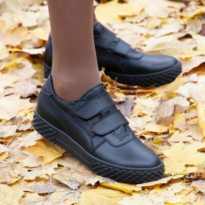 Базовые черные кроссовки на липучках в размерах