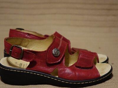 Отличные ортопедические темно-красные кожаные босоножки Belvida by Portina Швейцария 36 р.