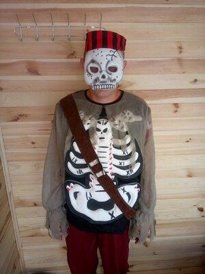 Продажа. Мужской карнавальный костюм Пирата-Зомби код 285