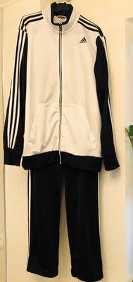 Классный мужской спортивный костюм Adidas