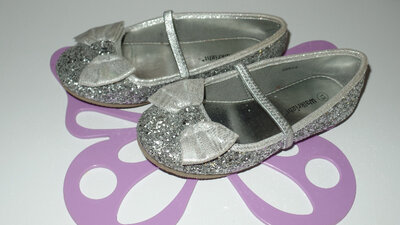 Нарядные фирменные туфли р 31-32