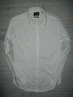 Хорошенькая нарядная рубашечка на размер С На 14-16 лет