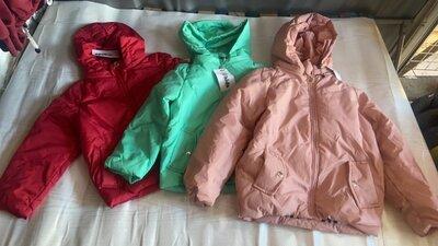 Распродаж курток 122-134р разных цветов
