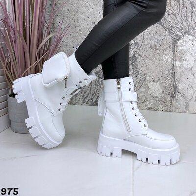 Женские натуральные кожаные белые бежевые чёрные деми ботинки на шнуровке на тракторной подошве