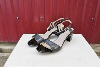 Кожаные Lazzarini 40 р. босоножки туфли сандалии