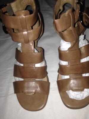 беж сандали на каблуке Германия