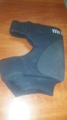 Наколенник волейбольный MCDAVID размер M один