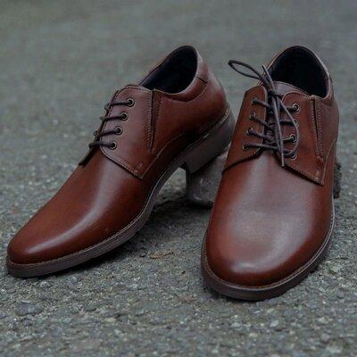 Безупречные кожаные натуральные польские мужские туфли стильные модные красивые коричневые качествен