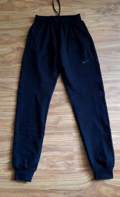 Продано: Мужские плотные спортивные брюки.Размеры S-XXl.