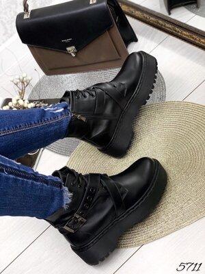 Женские натуральные кожаные демисезонные чёрные ботинки на ремешке на шнуровке на низком ходу