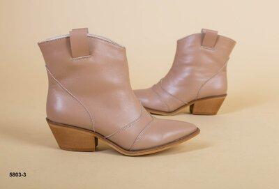 Код 5803-3 Женские ботинки казаки Размеры 35-41 Сезон деми Материал верха натуральная кожа Внутр