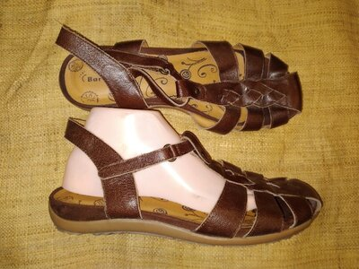 11 М -28 см кожа на широкую сандали Bare Traps ширина стельки 9.5