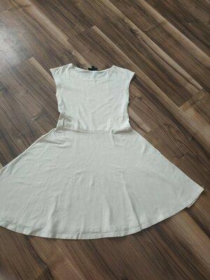 Белая трикотажное платье, размер S-M