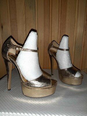 Золотистые босоножки на высоком каблуке и толстой подошве для стриппластики и пилатеса р.38