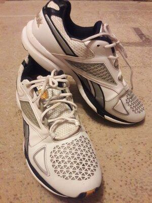 Крутые кроссовки 29см стелька