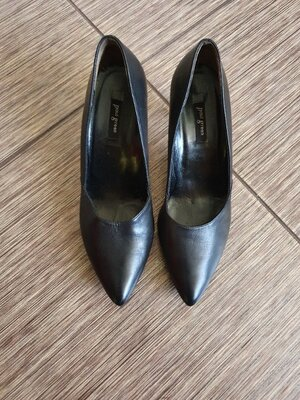 Стильные туфли, лодочки на не высоком каблуке от немецкого бренда Paul Green , кожа