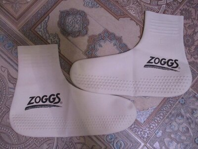обувь для плаванья
