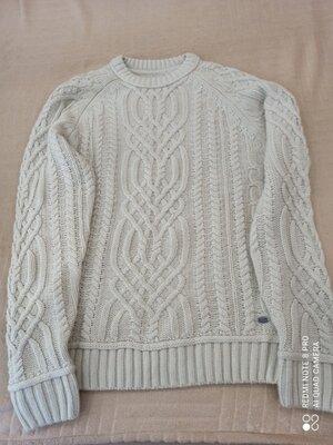 48-50 L, Продам новый, фирменный Angelo Litrico, красивейший свитер, шерсть.