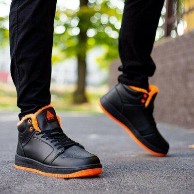 Мужские кроссовки утеплённые