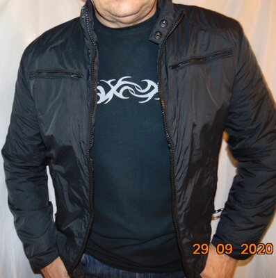 Стильная фирменная курточка демисезон бренд WE.с-м .