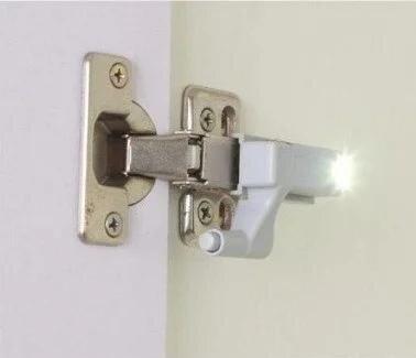Встраиваемая светодиодная LED подсветка для шкафов на мебельные петли