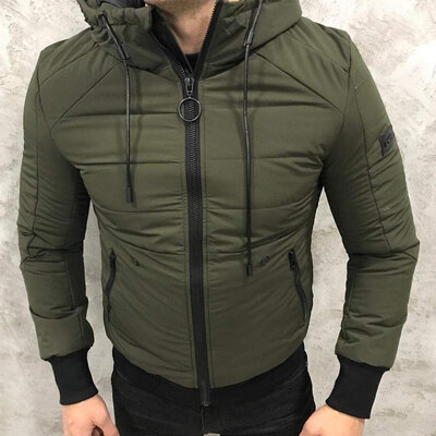 Крутая куртка Armani