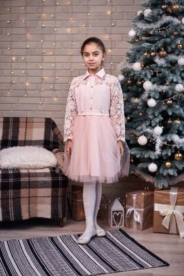 Пышное праздничное платье на девочку, очень красивое кружево
