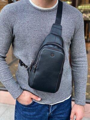 Мужская кожаная нагрудная сумка слинг через плечо H.T. Leather чоловіча шкіряна сумочка чёрная чорна