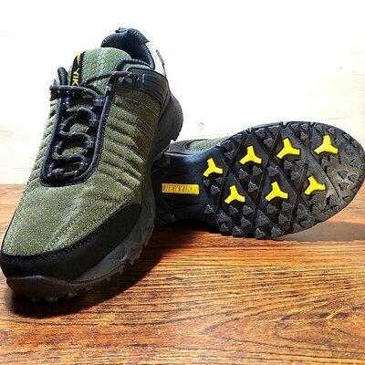 Мужские кроссовки YIKE хаки до -21