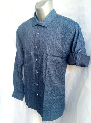 Приталенная мужская рубашка с абстрактным принтом. Рукав трансформер