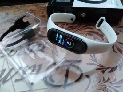 Smart Bracelet M4 фитнес браслет-часы