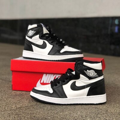 Кроссовки мужские высокие Nike Jordan 1 Retro Black/white