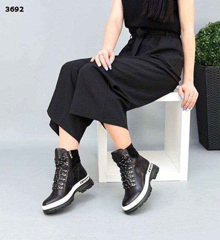 Женские натуральные кожаные красные белые чёрные ботинки на шнуровке на низком ходу: 1420 грн - демисезонные ботинки в Харькове, объявление №27310005 Клубок (ранее Клумба)