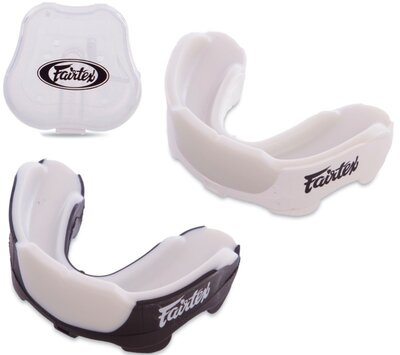 Капа боксерская односторонняя Fairtex MG3 в футляре 2 цвета
