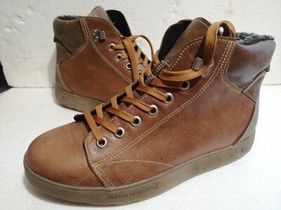 Продам ботинки 42 размер