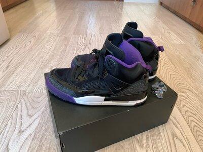 Продано: Короссовки Nike Jordan