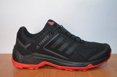 кроссовки Adidas Terrex.