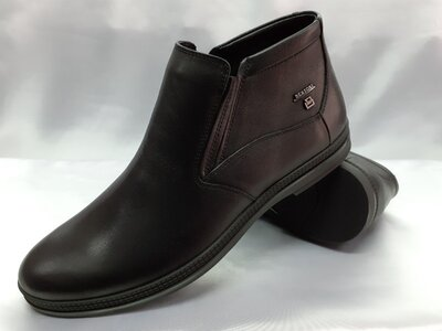 Классические кожаные демисезонные ботинки Bertoni 44,45р.