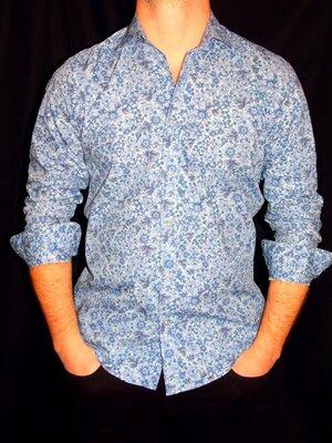 Шикарная голубая рубашка в цветочный принт - M - S
