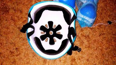 Шлем и защита для роликов, скейтов, велосипедов