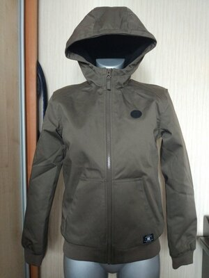 Зимняя куртка dc ди-си на подростка или на размер s цвет хаки , водонепроницаемая