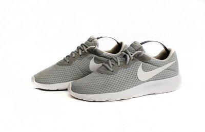 Кроссовки Nike Tanjun. Размер 42