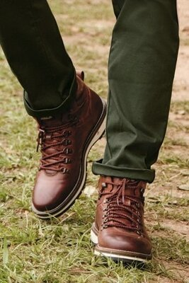 Кожаные походные ботинки