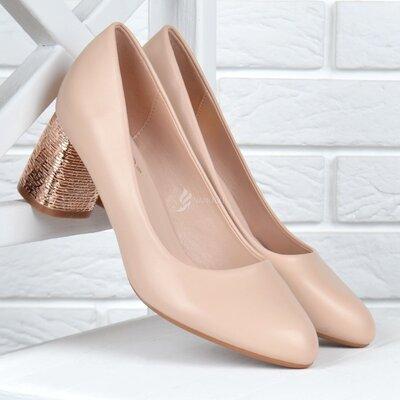 Туфли женские на широком каблуке бежевые Mengting