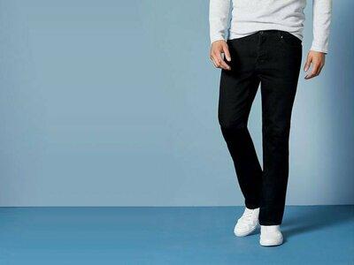 Классические черные прямые джинсы из стрейч коттона Livergy 40