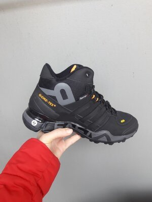 зимние ботинки Adidas Terrex 465 черные с оранжевым 41-46р