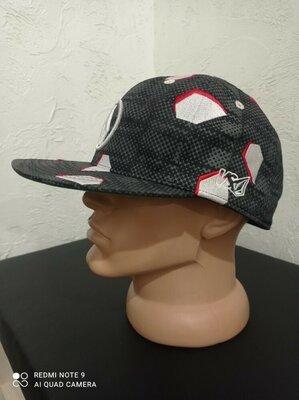 Брендовая кепка Volcom