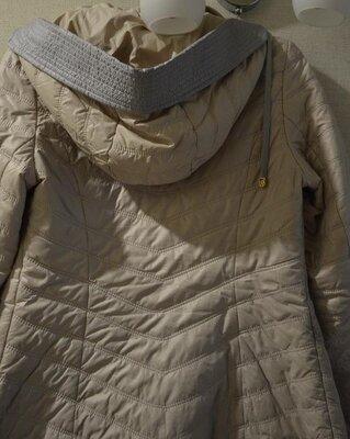 Куртка женская с капюшоном р.46